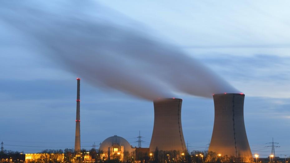 Das E.ON Kernkraftwerk in Grafenrheinfeld geht am kommenden Wochenende vom Netz. Die Stromversorgung im Freistaat ist aber auch dank des Ausbaus der Erneuerbaren Energien in Bayern gesichert. Bild: Imago
