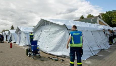 Zeltlager für 200 Flüchtlinge in Neuenstadt am Kocher (Baden-Württemberg). Foto: dpa/Michael Latz