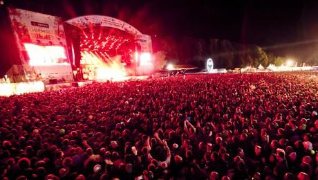 Festivals wie der Chiemsee Summer ziehen jährlich tausende Besucher an und stehen exemplarisch für den Erfolg zahlreicher bayerischer Musikveranstaltungen. (Foto: CS)