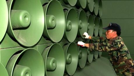 Die Lautsprecheranlagen auf südkoreanischer Seite werden abgebaut - ein Zugeständnis an den Norden. (Bild: dpa)