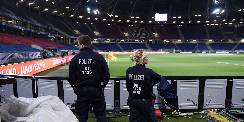 fussball international testspiel in hannover deutschland