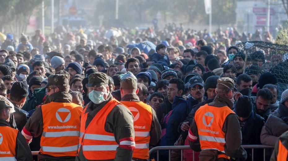 Stau an der österreichischen Grenze zu Slowenien (Bild von Anfang November 2015). Bild: Imago/Zuma Press