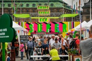 Schwedische Unbeschwertheit, wie hier bei einem Kulturfestival in Stockholm, ist besonders für Frauen passé: Das Land hat Europas höchste nichtwestliche Zuwanderungsrate - und die mit weitem Abstand höchste Vergewaltigungsrate. Bild: Imago/Xinhua/Rob Schoenbaum
