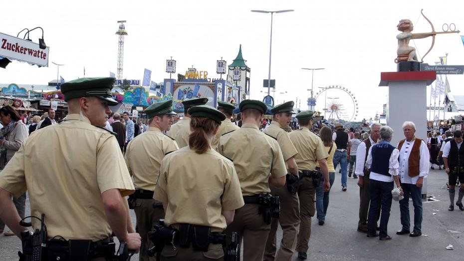Bayern wirbt verstärkt um Polizisten mit ausländischen Wurzeln. Bild: imago/Michael Westermann)