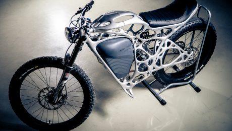Ein Motorrad aus dem 3D-Drucker: Mit dem Modell zeigt die Airbus-Tochter APWorks, was die neue Technik alles leisten kann. (Bild: apworks)
