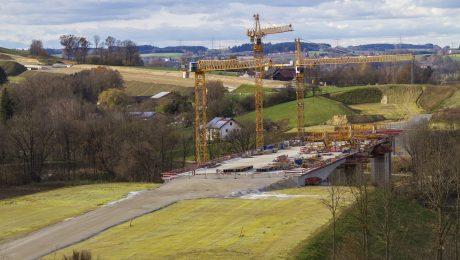Um den Bau der A94 durch das Isental wurde mehr als 30 Jahre gestritten. (Foto: Imago/Blickwinkel