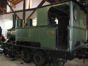 Wie zu König Ludwigs Zeiten: Königliche Lokomotive im Bahnmuseum von Bayerisch Eisenstein. (Bild: avd)