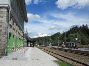 Grenzland: Der Bahnhof von Bayerisch Eisenstein. (Bild: avd)