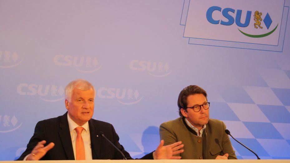 Klare Ansagen: CSU-Chef Horst Seehofer und Generalsekretär Andreas Scheuer beim Abschluss der CSU-Vorstandsklausur. (Foto: Wolfram Göll)
