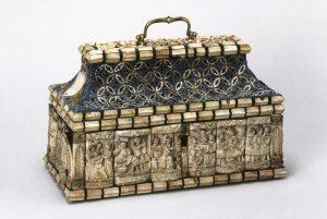 Elfenbeinkästchen für die Reliquien des Hl. Sigismund, Karl IV. erwarb es vermutlich während seiner Italienreise 1355. (Bild: Metropolitní kapitula u sv. Víta v Praze/fkn)