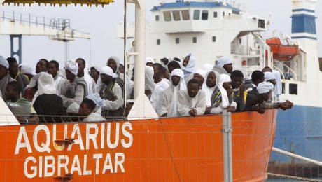 Zuwanderung übers Mittelmeer: Migranten werden sicher in die italienischen Häfen gebracht. (Bild: Imago/Italy Photo Press)