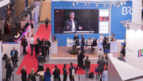 Drei Tage lang treffen sich Experten der Medienbranche in München. (Bild: Imago/ecomedia)