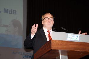 Mittelstandstag 2016: MU-Landesvorsitzender Hans Michelbach hält eine kämpferische Rede. (Foto: Wolfram Göll)