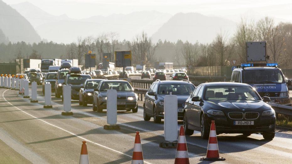 Grenzkontrollen bei  Kufstein-Kiefersfelden. (Bild: Imago/ Roland Mühlanger)