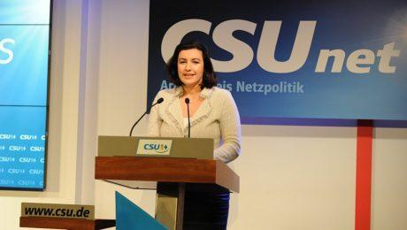 CSUnet-Landeschefin Dorothee Bär bei ihrer Rede auf dem Netzkongress in München. (Bild: CSU)
