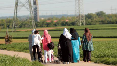 Der Familiennachzug wird die Flüchtlingszahlen noch deutlich erhöhen. (Bild: Imago/Ralph Peters)