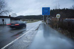 Außengrenzen wieder sichern: Grenze zu Österreich in Wegscheid im Kreis Passau. (Foto: Imago/Bildgehege)