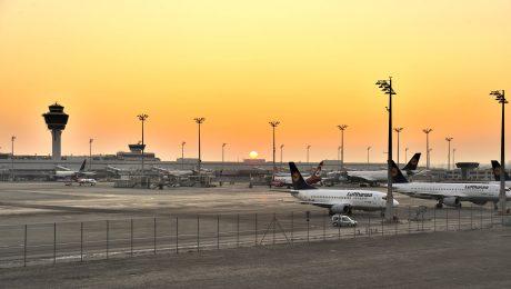 Lufthansamaschinen auf dem Flughafen München. (Bild: imago/argum)