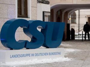 Die CSU-Landesgruppe tagt heuer im Kloster Seeon. (Foto: dpa/Sven Hoppe)