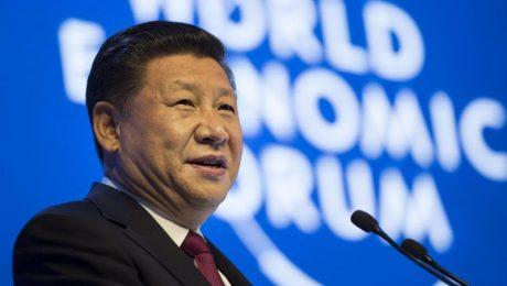 """Lenker einer Wirtschaftsmacht, die ausländische Investments stark einschränkt: Ausgerechnet Chinas Staatschef Xi eröffnet das """"World Economic Forum"""" mit einem Plädoyer gegen Protektionismus. (Foto: Picture Alliance)"""