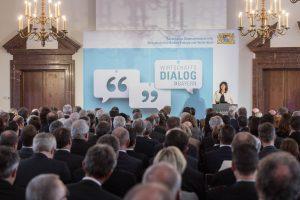Das Interesse am ersten Wirtschaftsdialog im Bayerischen Wirtschaftsministerium war immens. (Foto: StMWi)