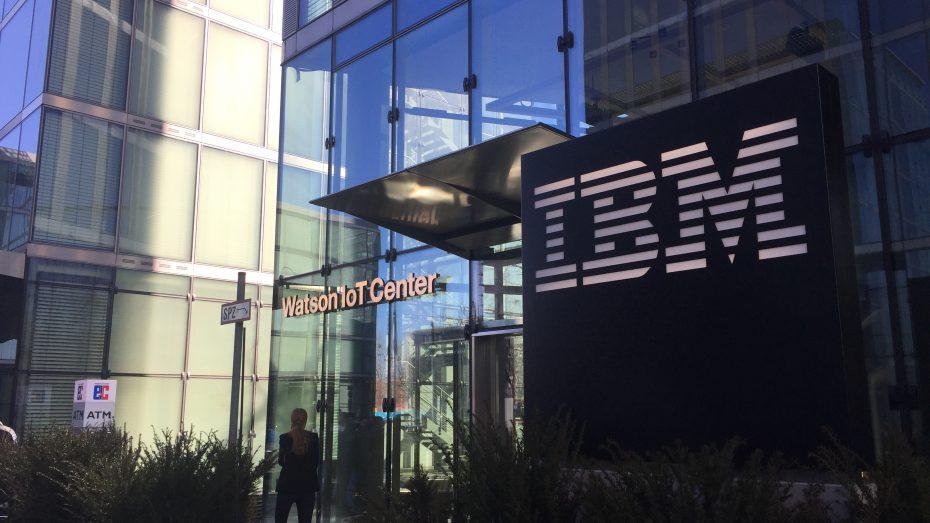 Premiere in München: Zugang zum Showroom des neuen IBM-Zentrums im Highlight-Tower an der A9. (Foto: G. Dolak)