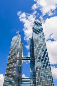 """Einzug im Glashaus: Neues IBM-Domizil """"Highlights Towers"""". (Foto: Imago/Westend61)"""