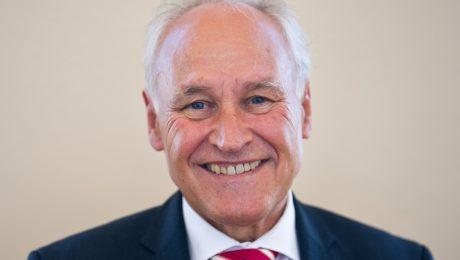 Der Vorsitzende des Landtagsausschusses für Wirtschaft und ehemalige CSU-Chef, Erwin Huber.  (Foto: Picture Alliance/Inga Kjer)