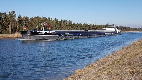 Mehr Investition in die Binnenschifffahrt