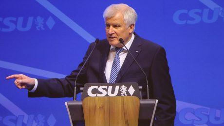 Seehofer als CSU-Chef bestätigt