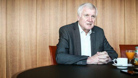 """Seehofer will """"mehr Biss für den Rechtsstaat"""""""