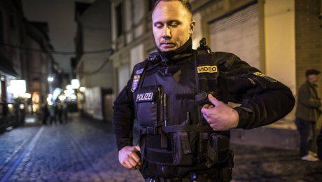 Mehr Polizei, weniger Flüchtlinge