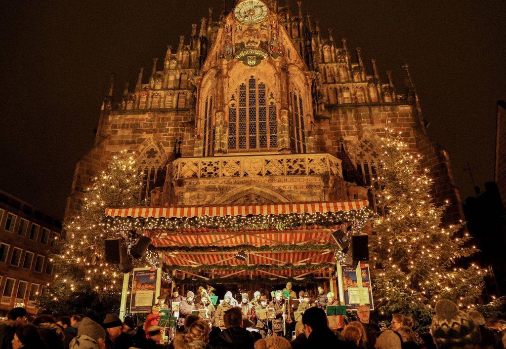 Weihnachtsmarkt Nürnberg.Tradition Nürnberger Christkindlesmarkt öffnet Bayernkurier