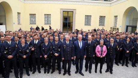 Mehr Polizisten für Bayern