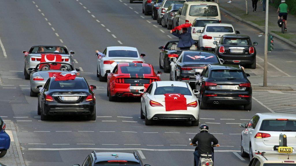 Fahren immer warum autos ausländer teure Psychologie