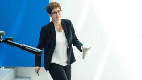 Kramp-Karrenbauer ist neue Verteidigungsministerin