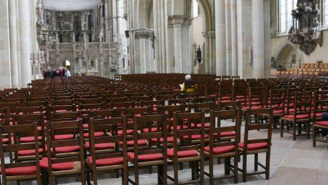 Entfremdung von den Kirchen
