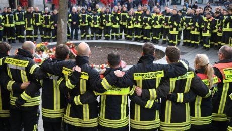 Trauer und Wut in Augsburg